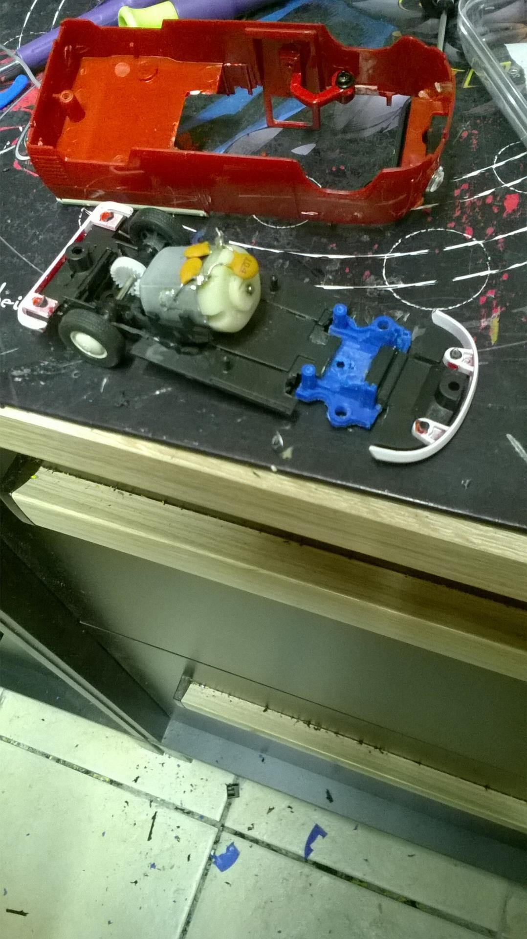 assemblage des trois morceau du chassis du combi